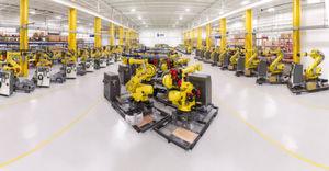 Leoni: Beim Wachstum in der Region Amerika setzt Leoni auch auf die Produktionsstätte in Lake Orion (USA), die eine Maschine mittels komplexer Schlauchpakete in einen integrationsfertigen Prozessroboter verwandelt.