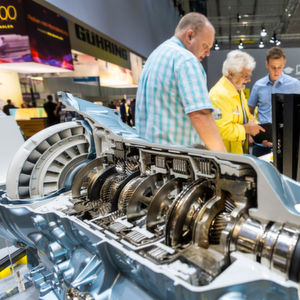 Die internationale Fachausstellung für Metallbearbeitung zählte im Jahr 2014 fast 1.400 Aussteller aus 28 Ländern. Auch dieses Jahr sind alle verfügbaren Flächen gefüllt, so der Veranstalter.