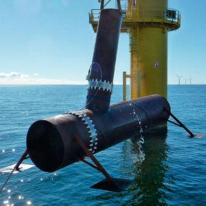 Praxistests in der Ostsee: Forscher haben einen Proberohrknoten mit zwei Demonstratoren der Sensormanschette ausgerüstet.