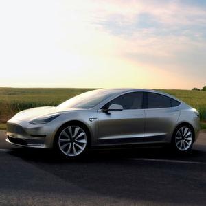 Tesla sammelt frisches Geld für Model-3-Produktion
