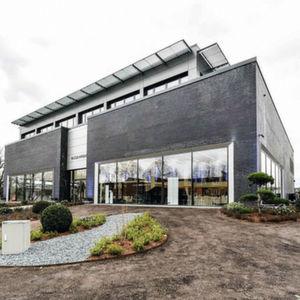 Hugo Pfohe: Stammsitz im neuen Glanz
