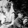 Am 29. April 1899 bricht Camille Jenatzy mit einem Elektroauto die 100-km/h-Grenze