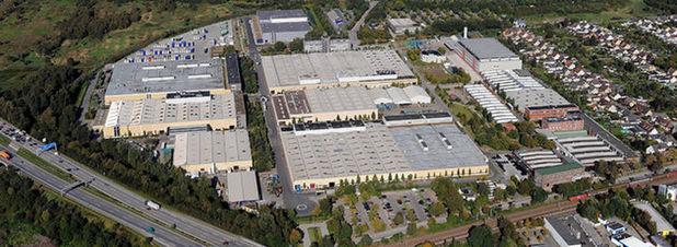 Mercedes-Benz-Werk Hamburg steigt in Hightech-Produktion für E-Mobilität ein