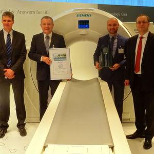 """TDK-Lambda ist zum dritten Mal """"Lieferant des Jahres"""" für Siemens"""