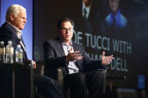 Der alte und der neue Boss: Joe Tucci (EMC, links) und Michael Dell.