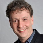 Sven Bauer: will eine eigene extrem leistungsfähige Lithium-Ionen-Zelle mit 100% höherer Lebensdauer, 68% mehr Leistung, 88% mehr Energie, 400% mehr Ladestrom und bis zu 60% mehr Kapazität auf den Markt bringen.