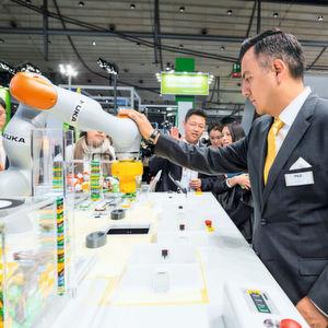 Lösungen für die sichere Mensch-Roboter-Kollaboration