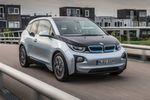 Den BMW i3 gibt es ab 34.950 Euro. Die Reichweite beziffert BMW auf 160 Kilometer. Ab dem Sommer soll ein größerer Akku dann für bis zu 300 Kilometer reichen.