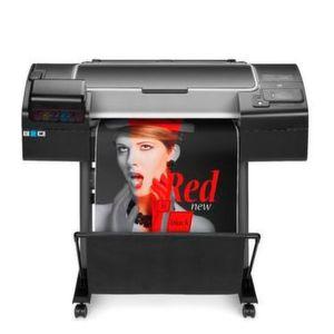 Drucker mit chromatischer roter Tinte erweitert den Farbraum