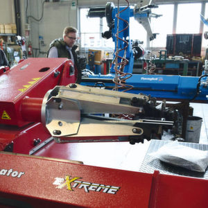 Werkstattausrüstung: Außen rot – innen Butler