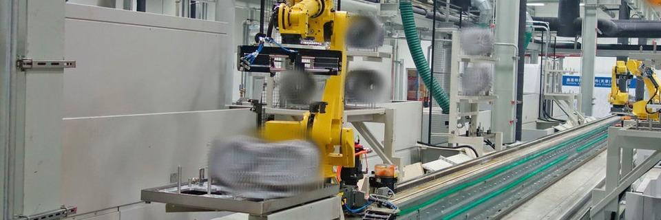 Flexible Roboterportalachse dank sieben Drehpunkten