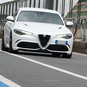 Alfa-Giulia-Marktstart: Sportlich im Auftritt und im Absatzplan