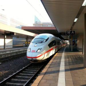 Bahn bringt WLAN noch 2016 in alle ICE