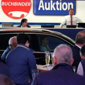 Buchbinder: 750 Mietwagen unterm Hammer