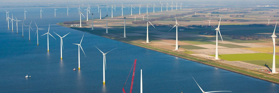 Spezialkrane für Offshore-Windanlagen