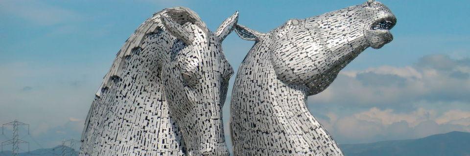 ... auf Kelpies: zwei schottische Wassergeister in Pferdegestalt