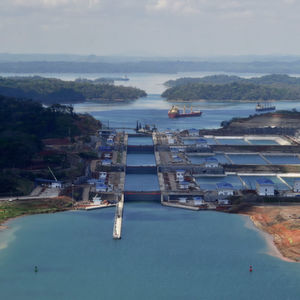 Schleusentore im neuen Panamakanal bewegen sich mit Schaeffler-Komponenten