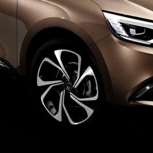 Renault Grand Scénic: 20-Zöller serienmäßig