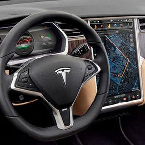 Ermittler: Tesla fuhr bei tödlichem Unfall zu schnell