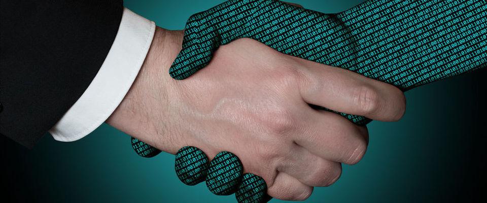 """Die Automatisierung in Rechenzentren führt zu fast menschenleeren IT-Betrieben, doch nur fast: Der Mensch wird als """"Herrscher"""" über die Automatisierung gebraucht."""