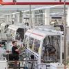 ABB Stotz-Kontakt produziert über 600 Polvarianten auch in kleinen Losgrößen auf einer Anlage