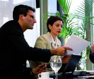 Bei professioneller Vorbereitung kann ein Firmenverkauf innerhalb eines halben Jahres über die Bühne gehen.Bild: MM-Archiv