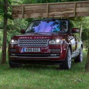 Land Rover: Autonom ins Gelände