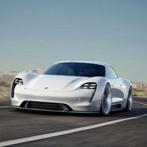 Porsche wirbt verstärkt digitalen Nachwuchs
