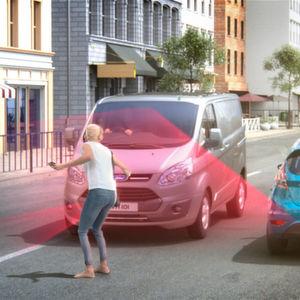 Neuer Notbremsassistent für Fords Nutzfahrzeuge