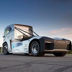"""Volvos """"Iron Knight"""" wird zum Rekord-Lkw"""