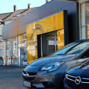 Ruhrdeichgruppe eröffnet zwei neue Opel-Autohäuser