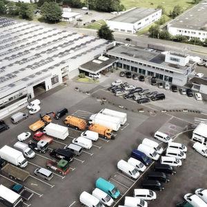 Fahrzeug-Werke Lueg: Nutzfahrzeuge im Fokus