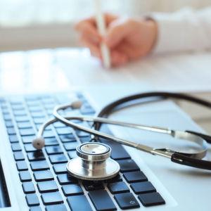 Arztbesuch: Bewertungen beeinflussen Entscheidung