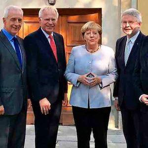 Bundeskanzlerin ruft zu mehr Mut bei eGovernment auf