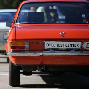 Autofolter im Wald: Einblicke in Opels Prüfzentrum