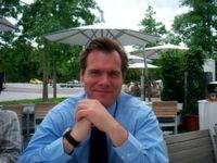 Claus Hammer verantwortet als Manager bei der Daimler AG im Geschäftsfeld Mercedes-Benz Vans die vertriebsrelevanten Online Platforms & Digital Content Management.