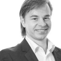 Sebastian Fleischmann ist Sales Director der Oracle Marketing Cloud (OMC) Deutschland und leitet in dieser Funktion den Vertrieb der OMC-Lösungen in den Märkten Deutschland und der Schweiz.
