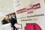 Ehrung zu Messezeiten: Der Internet Sales Award 2016 (ISA) wurde im Rahmen der Automechanika in Frankfurt am Main verliehen.