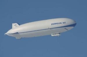 Die Gewinner der Verlosung fliegen mit einem Zeppelin NT über den Bodensee.
