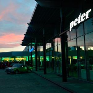 Autohaus Peter wächst in Sachsen-Anhalt