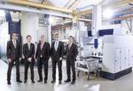 Strategische Partnerschaft (v.l.): Gerhard Baum (Chief Digital Officer, Schaeffler), Ivo Körner (Geschäftsführer Vertrieb, IBM), Peter Gutzmer (Vorstand Technologie, Schaeffler), Jürgen Henn (Executive Partner, IBM) und Harald Gießer (Chief Information Officer, Schaeffler).