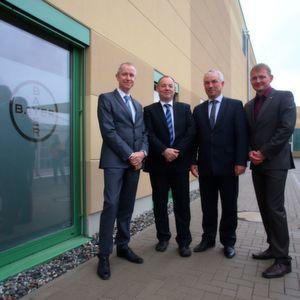 Bayer weiht Gebäude für F&E und Produktion ein