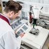 Klebstoffe fassen in der Hightech-Elektronik Fuß