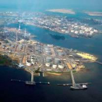 FEED and Detailed Engineering Contract for Singapore Refinery