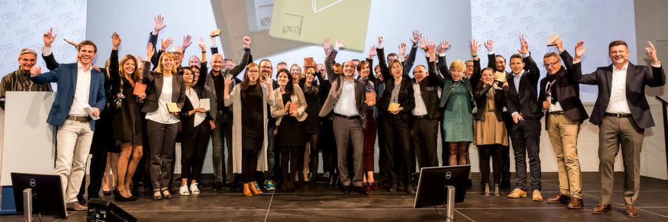 Jubelnde Gewinner! Bei der Preisverleihung des achten GWA Profi Awards im Rahmen der marconomy B2B Markenkonferenz in Würzburg wurden gestern insgesamt 14 B2B-Kommunikationsmaßnahmen ausgezeichnet.