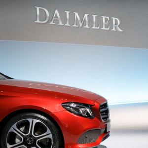 Daimler schraubt Absatz- und Umsatzerwartung zurück