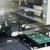 Roboter steigern Effizienz und Qualität in der THT-Fertigung