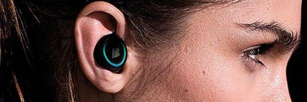 """""""The Dash"""": Der komplett kabellose Hearable mit 4 GB integriertem Speicher für rund 1000 Musikstücke ist dank eingebauter Sensoren gleichzeitig ein Fitness-Tracker."""
