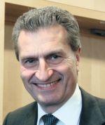 """""""Die digitale Revolution durchdringt inzwischen sämtliche gesellschaftlichen und wirtschaftlichen Bereiche"""", Günther Oettinger, EU-Kommissar für digitale Wirtschaft und Gesellschaft."""