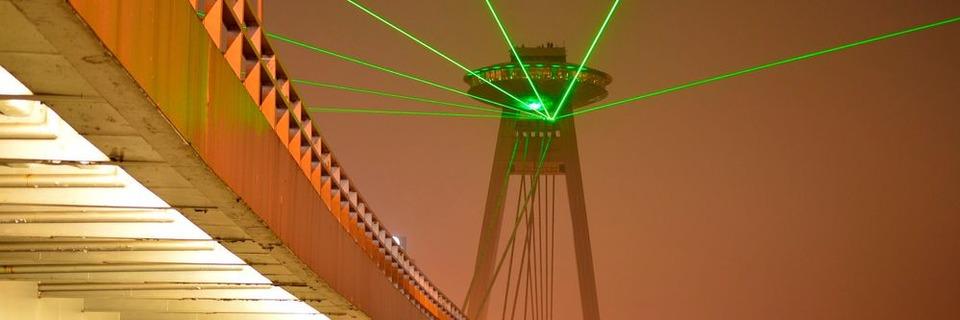 Schräge Brückentechnologie für ein UFO